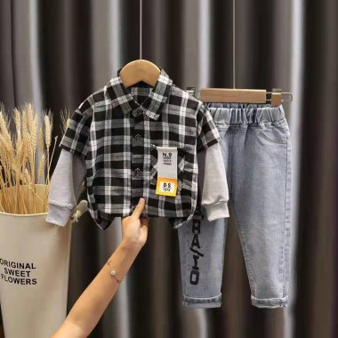 Комплект с джинсами